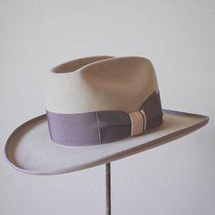 # ・ felt : Pure Beaver style : Open Road color : Sand weight : Western size : 59cm ・ #hat #hats #hatmaker #hatter #western #kumamoto #japan #japanese #帽子 #ハット #ハンドメイド #ハンドクラフト #オーダーメイド #ビスポーク #ファッション #メンズファッション #レディースファッション #スタイル #ビンテージ #熊本 #九州 #日本