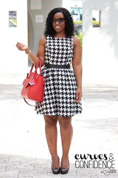 how curvy girls dress for work, summer work wear, houndstooth dress, tweed dress, curves and confidence Houndstooth Dress, Tweed Dress, Curves And Confidence, Dyt Type 4 Clothes, Miami Fashion, Fashion 2015, Diy Fashion, Cute Jeans, African Attire