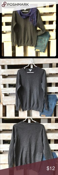 Old Navy cotton crew neck sweater Old Navy cotton & polyester gray crew neck sweater. Super soft. Worn maybe twice. Old Navy Sweaters Crew & Scoop Necks