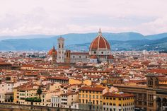 A stay in Tuscany would be incomplete without a visit to my favourite Italian city - Florence and so, despite the grey clouds and rain earlier in the day, we jumped into the car, leaving