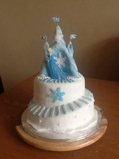 Frozen birthday on pinterest ice castles disney frozen cake and