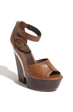 Vince Camuto and his beautiful shoes!