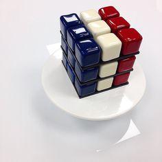1,614 mentions J'aime, 11 commentaires – Francois Deshayes (@francois_dhs) sur Instagram : «Rubiks 14 juillet  #lemeurice #cedricgrolet #pastry #pastel #patisserie #food #foods #color…»