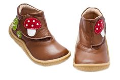The new fall kids' shoes from CMP fave Livie and Luca are starting to slowly appear on the website and I am absolutely loving the new mushroom-adorned Woodland Boot which is a fun, Hobbit-esque update to the London Boots we were digging last year. These are not your typical kids' shoes for sure. First of …
