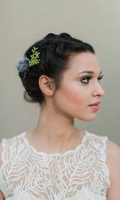 edgy hair style curly hair flowers search wedding ideas 1053