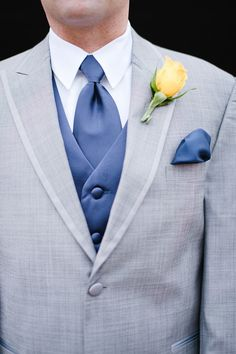 Navy & yellow to match the wedding color palette, so chic! {Brita Photography}