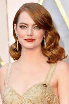 Red carpet hairstyle. Glam Hollywood curls - Emma Stone. Celebrity hairstyle. Oscars 2017