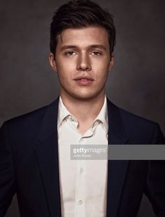 Nick Robinson Everything Everything Movie, I Love Simon, I Love My Hubby, Nick Robinson, Twin Souls, Young Actors, American Actors, Cute Guys, Celebrity Crush