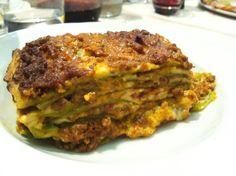 LASAGNE VERDI ALLA BOLOGNESE sono un ricco piatto, una preparazione intramontabile della cucina tradizionale sempre molto apprezzata sulla nostra tavola. Ogni famiglia ha il suo segreto, ma una cosa è certa: piacciono a grandi e piccini! #ItalianFood #cucinaitaliana #piattiitaliani #piattitipici #piattitipiciregionali #Gourmet #Foodie #FoodBlogger #CarnevaliLuigi  https://www.facebook.com/terreLAMBRUSCO/?fref=ts https://twitter.com/luigicarnevali https://www.instagram.com/carnevaliluigi/
