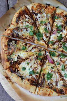 Barbecue Chicken Pizza Recipe. Make it Gluten Free using Absolutely's Gluten Free Flatbread www.absolutelygf.com #AbsolutelyGF #Pizza #GlutenFree #Yummy #Recipe