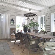Villasmedsbo Cottage Living, Cottage Style, Porch Decorating, Decorating Your Home, Deco Boheme, Cottage Interiors, French Country House, Home And Deco, Farmhouse Table