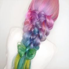 Today we are going to talk about those gorgeous braid styles. I will show you the best and trendy hair braid styles with some video tutorials. Spring Hairstyles, Hairstyles With Bangs, Braided Hairstyles, Hairdos, Hair Dye Colors, Hair Color Blue, Pink Hair, Beautiful Hair Color, Brown Blonde Hair