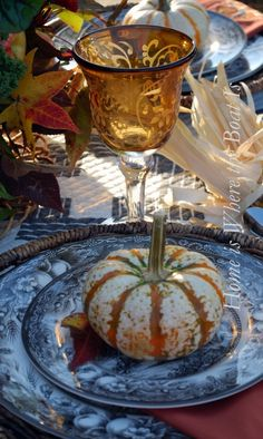 fall table setting using pumpkins