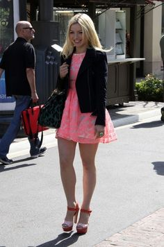Francesca Eastwood Platform Sandals - Francesca Eastwood made an appearance on 'Extra' wearing a pair of red and pink platform sandals. Pink Mini Dresses, Sexy Dresses, Francesca Eastwood, Perfect Legs, Nice Legs, Sexy Women, Women Wear, Fashion Idol, Classy And Fabulous