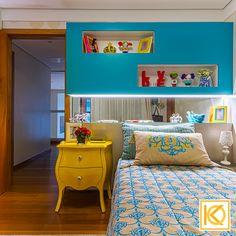 """Nesse quarto alegre, a decoração e os elementos utilizados representam o desejo da filha em ter um ambiente jovem e dinâmico. A cômoda vintage em tom de amarelo harmoniza com o tom de azul """"Tifany"""" e compõe a decoração desse quarto cheio de sofisticação e jovialidade. O detalhe em espelho com iluminação especial, acima da cabeceira cria a sensação de profundidade e valoriza os objetos decorativos. #ProjetodeArquitetura #Decor #Residencial #Quarto #QuartoCrianca #QuartodeMenina #KarlaOliveira Office Fashion, Bedroom Inspo, Malm, Nightstand, My House, Sweet Home, Room Decor, Ikea, Inspiration"""