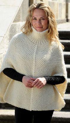Strikkeopskrift på enkel poncho med rullekrave   Overtøj til kolde dage   Lækker og lun strik   Håndarbejde