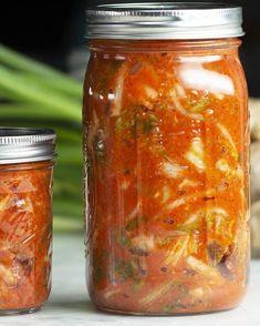 How To Make Vegan Kimchi Recipe by Tasty Wie man veganes Kimchi-Rezept von Tasty macht Dinner Vegan Kimchi Recipe, Vegetarian Recipes, Cooking Recipes, Healthy Recipes, Baker Recipes, Fermentation Recipes, Homebrew Recipes, Healthy Snacks, Korean Recipes
