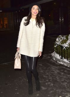 View Amal Clooney is seen in the Upper East Side on March 2015 in New York City. pictures and other Amal Clooney Looks Chic in Leather Leggings photos at ABC News Fashion Moda, Fashion Pants, Girl Fashion, Fashion Outfits, Amal Clooney, Amal Alamuddin Style, Streetwear, Revealing Dresses, Image Fashion