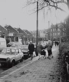 Bellamyplein met op de achtergrond de tramremise van het GVB, 1986. Collectie Stadsarchief Amsterdam