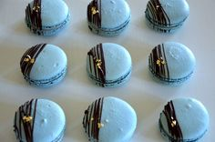 Twix Cupcakes, Blue Desserts, French Macaroons, Eat Dessert First, Macarons, Sweet Tooth, Food And Drink, Yummy Food, Sweets