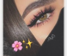Aesthetic Eyes, Bad Girl Aesthetic, Lovely Eyes, Pretty Eyes, Cute Girl Poses, Girl Photo Poses, Natural Smokey Eye, Girl Hand Pic, Profile Pictures Instagram