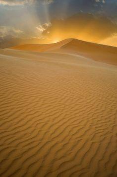Sahara Desert by Saud Alrshiad Source: http://x-enial.tumblr.com/post/45466801814/sahara-desert-by-saud-alrshiad
