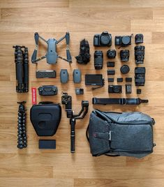 """1,836 Gostos, 19 Comentários - Digital_Shooter (@digital_shooter) no Instagram: """" @tamwise - Updated flatlay with all my new gear. I will probably be bringing all of this on my…"""""""