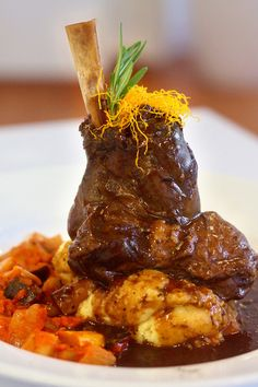 Braised Lamb Shank Source by Veal Recipes, Lamb Recipes, Top Recipes, Greek Recipes, Slow Cooker Recipes, Cooking Recipes, Carne, Lamb Shank Recipe, Braised Lamb Shanks
