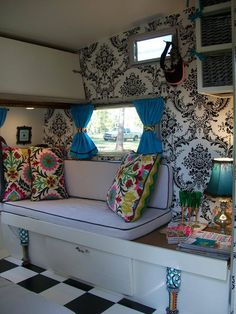 oh gosh i love that wallpaper!! i'm busy doing everything in my trailer in damask, wallpaper would be overkill haha
