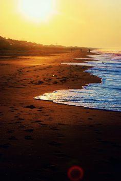 beach days @Cecilia Alvarado @Nancy Welch we need a girls beach day in our near future :)