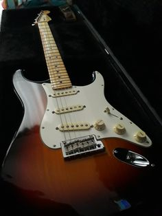 American Standard Stratocaster, Music Instruments, Guitar, Guitars, Musical Instruments