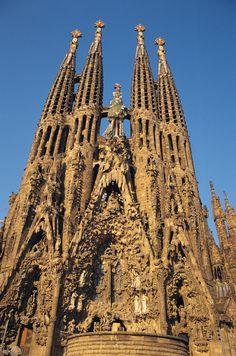 Vista del Tempo Expiatorio de la Sagrada Familia, obra encargada a Gaudí a finales de 1883. A esta gran obra dedicó toda su vida.