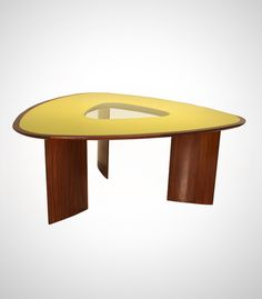Table Mesa Triangular (circa 1960)