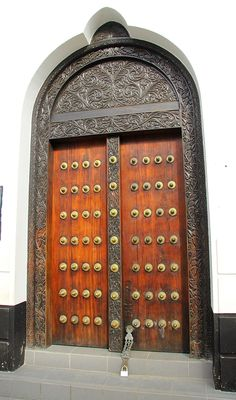 Zanzibar Doors.... Spot the padlock .... This door is not for opening