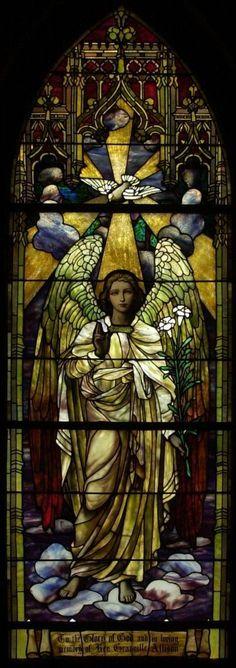 """A Igreja, por meio de São Jerônimo, ensina que """"grande é a dignidade das almas, pois ao nascer cada uma tem um anjo delegado a sua guarda"""" São Jerônimo, Commentariorum in Evangelium Matthaei, III, 18:ML 26"""