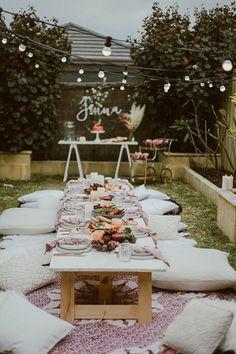 18 ideas backyard wedding pool decor night for 2019 Backyard Wedding Pool, Backyard Birthday Parties, Backyard Picnic, Picnic Birthday, Picnic Themed Parties, Outdoor Dinner Parties, Pool Wedding Decorations, Picnic Decorations, Birthday Decorations
