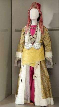 Festive costume from Silli/Sille (near Konya/Iconium), Rum (Anatolian Greek), early century. (Source: Lyceum Club of Greek women, Athens). Greek Traditional Dress, Traditional Outfits, Greek Clothing, Women's Clothing, Bling Shoes, Folk Costume, Kaftan, Harajuku, Asia
