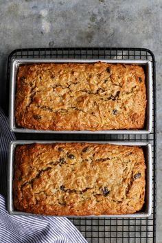 Apple Bread - This quick and easy apple bread recipe is loaded with shredded apples, ensuring moist, delicious fresh apple flavor and texture in every bite! Apple Cinnamon Bread, Apple Fritter Bread, Apple Bread, Apple Nut Bread Recipe, Healthy Apple Desserts, Apple Dessert Recipes, Apple Recipes, Pecan Recipes, Gourmet Desserts