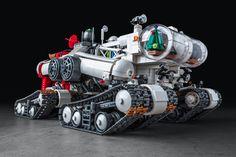 Santa's new sleigh. Lego Cars, Lego Truck, Lego Robot, Lego Spaceship, Spaceship Concept, Technique Lego, Lego Machines, Lego Creator Sets, Lego Ship