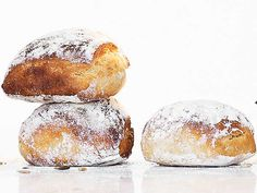 Honungsfrallor | Recept från Köket.se Bread Bun, Bread Cake, I Love Food, Good Food, Yummy Food, Tasty, Savoury Baking, Bread Baking, Artisan Bread Recipes