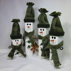 Wooden Snowman Family Shabby Home Decor Sage Hunter Green #GigglesOfDelight