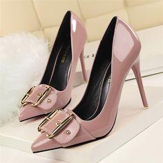 High Heels Stilettos, Stiletto Heels, Shoes Heels, Women's Pumps, Jeans Heels, Heels Outfits, Sandals Outfit, Outfit Jeans, Bling Wedding Shoes