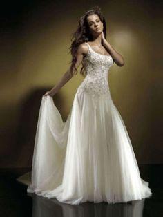 robe de mariée fluide à bretelles