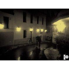 Ότι κοιτάω αγαπώ και όσα βλέπω ερωτεύομαι. (p.n.) #InP #photography #poetry #road #lovers #permanent #move #lifegame #passbyme #shadows #night
