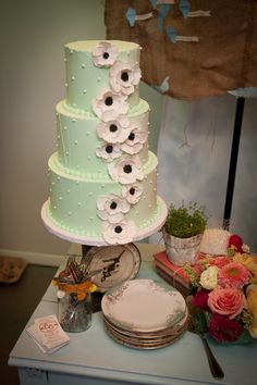 Mint-Green-and-Anemone-Wedding-Cake
