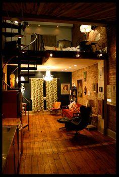 很愛這個地板還有螺旋式的樓梯!