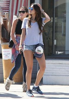 Eiza Gonzalez - Eiza Gonzalez Lunching At Kings Road Cafe