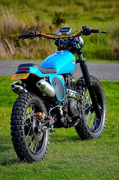 Go look at many of my favorite builds - customized scrambler hybrids like Enduro Vintage, Motos Vintage, Vintage Bikes, Vintage Motorcycles, Custom Motorcycles, Custom Bikes, Tracker Motorcycle, Scrambler Motorcycle, Moto Bike