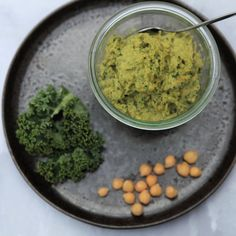 Superlecker und unglaublich gesund. Superfood, Hummus, Savoury Dishes, Food Styling, Kale, Sweet Tooth, Food Photography, Vegan Recipes, Sweets