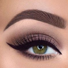 How To Do Eyeliner For Every Eye Shape: Sure-Fire Tips & Tricks Winged liner for almond eyes – good for day or night. Makeup Goals, Makeup Kit, Hair Makeup, Beauty Makeup, Makeup Remover, Makeup Brushes, Almond Eye Makeup, Eyeliner For Almond Eyes, How To Do Eyeliner